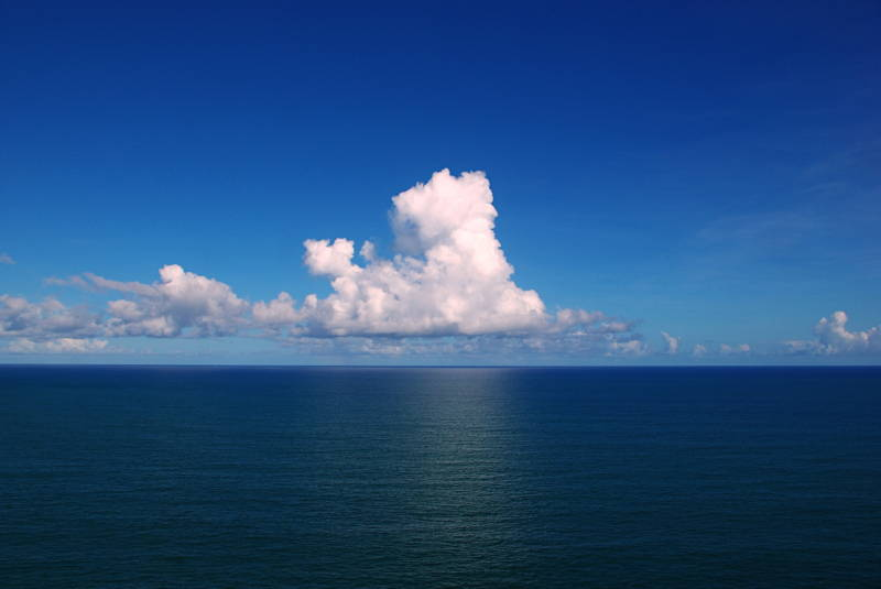 Clouds over the Atlantic Ocean / Photo by Tiago Fioreze Creative Commons