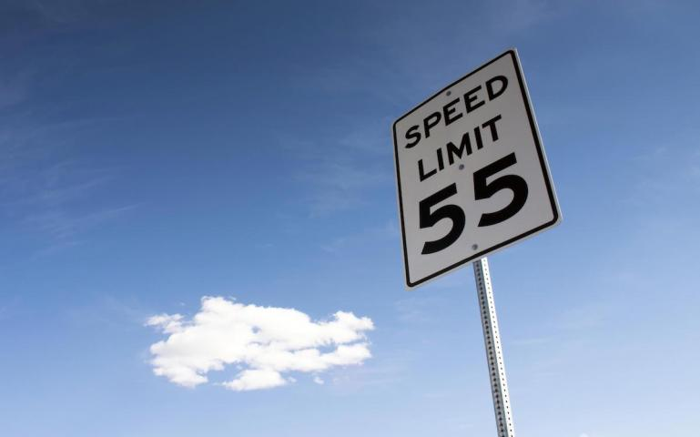Can Lower Speed Limits Reduce Our Overall Carbon Footprint?