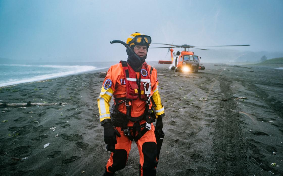 justin bastien rescue workers uscg rescue swimmer jon kreske back on dry land after