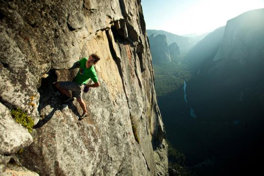 Valley Uprising features bold newcomer, Alex Honnold, as he free solos the big walls of Yosemite.