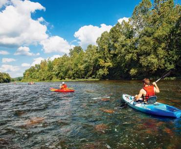 Kayakers on the James River, Virginia, near the Applewood Inn in Lexington
